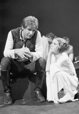 Carrie Fisher And Harrison Ford Behind The Scenes 500x720 Wallpaper Teahub Io
