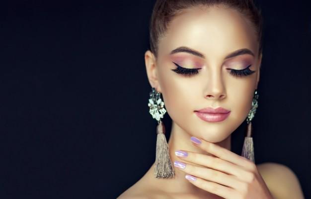 Photo Wallpaper Girl Face Earrings Makeup Beautiful Photo Shoot 1332x850 Wallpaper Teahub Io