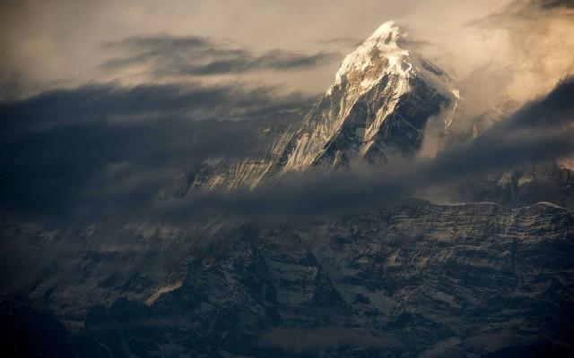 Mt Everest Wallpaper 4k 1600x1000 Wallpaper Teahub Io