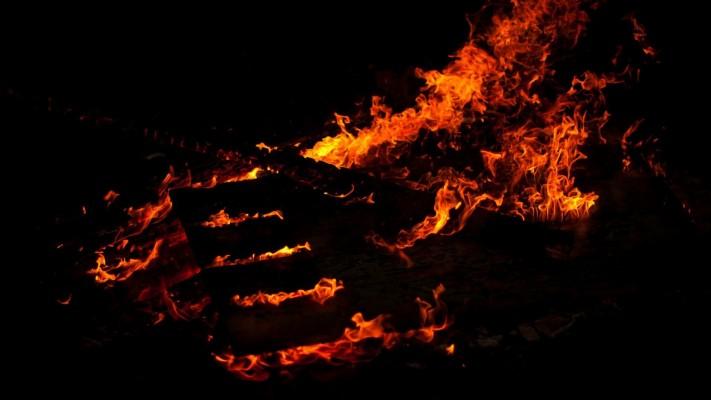 82 Entries In Fire Wallpapers Hd Group Black Fire Wallpaper 4k 1920x1080 Wallpaper Teahub Io